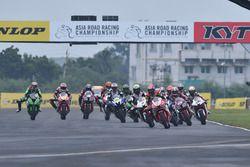 Aksi start SuperSports 600cc