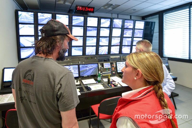 Keanu Reeves visita il Race Control del Mugello