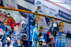 Podium: Sieger #94 GMT94 YAMAHA, Yamaha R1: David Checa, Niccolò Canepa, Mike Di Meglio
