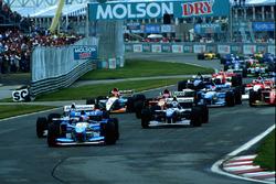 Départ : Michael Schumacher, Benetton B195 mène