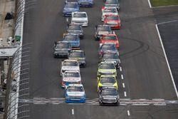 Arrancada: Noah Gragson, Kyle Busch Motorsports Toyota líder