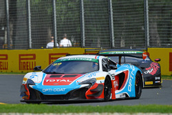 #59 McLaren 650S GT3: Fraser Ross, Lewis Williamson