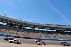 Cole Custer, Stewart-Haas Racing Ford and Brendan Gaughan, Richard Childress Racing Chevrolet