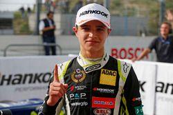 Il vincitore della gara Lando Norris, Carlin Dallara F317 - Volkswagen