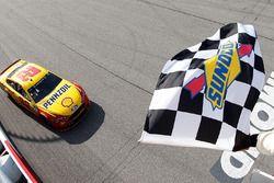 Joey Logano, Team Penske Ford takes the checkered flag