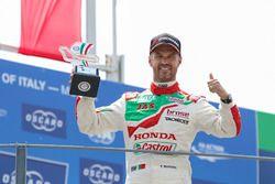 Podio: Tiago Monteiro, Honda Racing Team JAS, Honda Civic WTCC