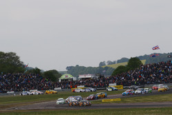 Start: Matt Neal, Team Dynamics, Honda Civic Type R, führt