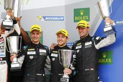Podio GTE: al terzo posto #77 Dempsey Proton Competition Porsche 911 RSR: Christian Ried, Matteo Cai