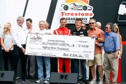 Sébastien Bourdais, Dale Coyne Racing Honda ve Patrick Long, Johns Hopkins All Children's Hospital'