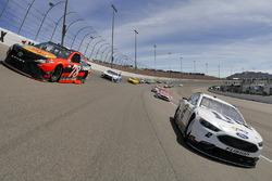 Pace-Laps: Brad Keselowski, Team Penske, Ford; Martin Truex Jr., Furniture Row Racing, Toyota