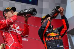 Podio: il secondo classificato Sebastian Vettel, Ferrari, il terzo classificato Daniel Ricciardo, Red Bull Racing
