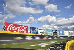 Renn-Action auf dem Charlotte Motor Speedway