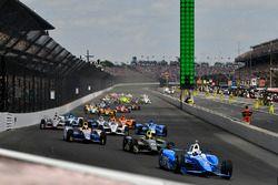 Départ : Scott Dixon, Chip Ganassi Racing Honda mène