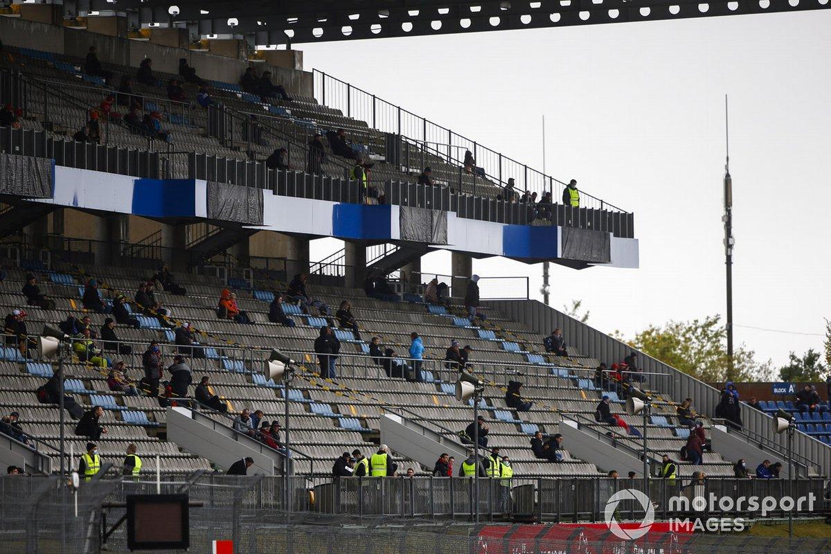 Fans en las gradas de Nürburgring