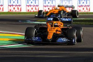 Carlos Sainz Jr., McLaren MCL35 y Lando Norris, McLaren MCL35