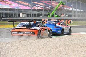 Simone Iaquinta, Ombra Racing, leads Max van Splunteren, Team GP Elite