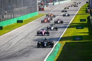 Lewis Hamilton, Mercedes F1 W11, Lance Stroll, Racing Point RP20, Pierre Gasly, AlphaTauri AT01, Antonio Giovinazzi, Alfa Romeo Racing C39, Charles Leclerc, Ferrari SF1000, and the rest of the field