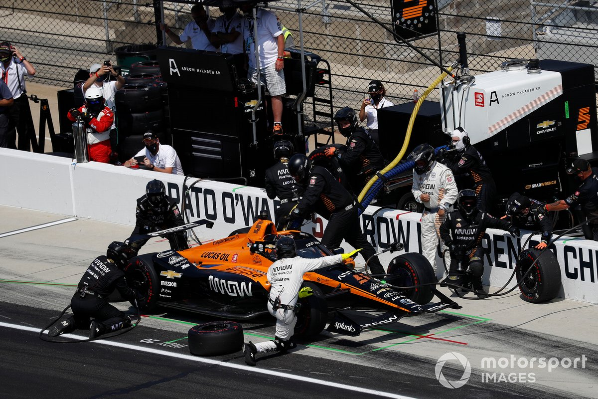 Pato O'Ward, Arrow McLaren SP Chevrolet, pit stop