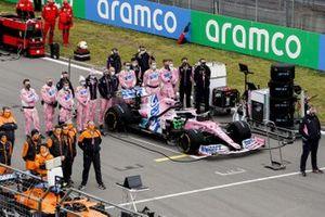 L'auto di Sergio Perez, Racing Point RP20 sulla griglia di partenza