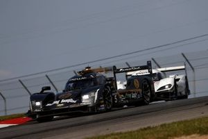 #5 Mustang Sampling Racing / JDC-Miller MotorSports Cadillac DPi, DPi: Sebastien Bourdais, Joao Barbosa, #77 Mazda Team Joest Mazda DPi, DPi: Oliver Jarvis, Tristan Nunez