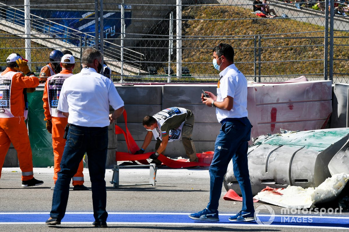 Michael Masi, Race Director with marshals recovering the car of Jack Aitken, Campos Racing after crashing with Luca Ghiotto, Hitech Grand Prix
