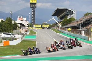 Jonathan Rea, Kawasaki Racing Team, Michael van Der Mark, Pata Yamaha pushes Toprak Razgatlioglu, Pata Yamaha