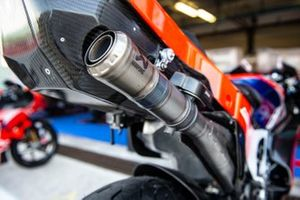 El escape Akrapovic