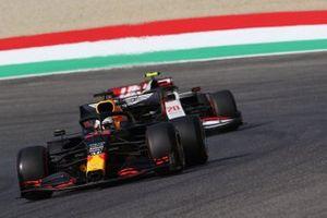 Max Verstappen, Red Bull Racing RB16, Kevin Magnussen, Haas VF-20