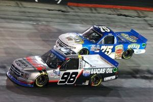 Grant Enfinger, ThorSport Racing, Ford F-150 ADS/Lucas Oil, Parker Kligerman, Henderson Motorsports Chevrolet Silverado Food Country USA