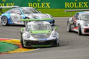Phillip Sager, Dinamic Motorsport, leads Matteo Llarena, MRS GT-Racing, and Roar Lindland, Pierre martinet by Almeras