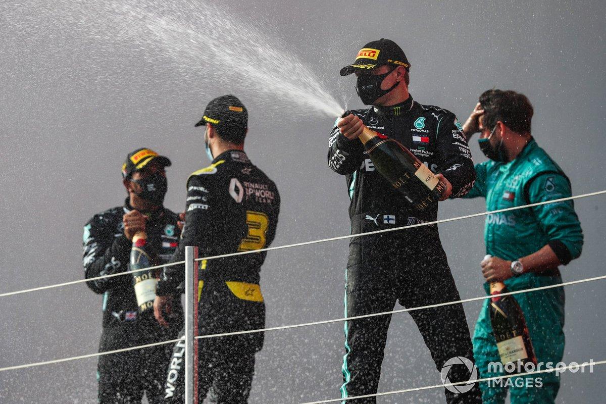 Podio: ganador Lewis Hamilton, Mercedes-AMG F1, tercer lugar Daniel Ricciardo, Renault F1, segundo lugar Valtteri Bottas, Mercedes-AMG F1