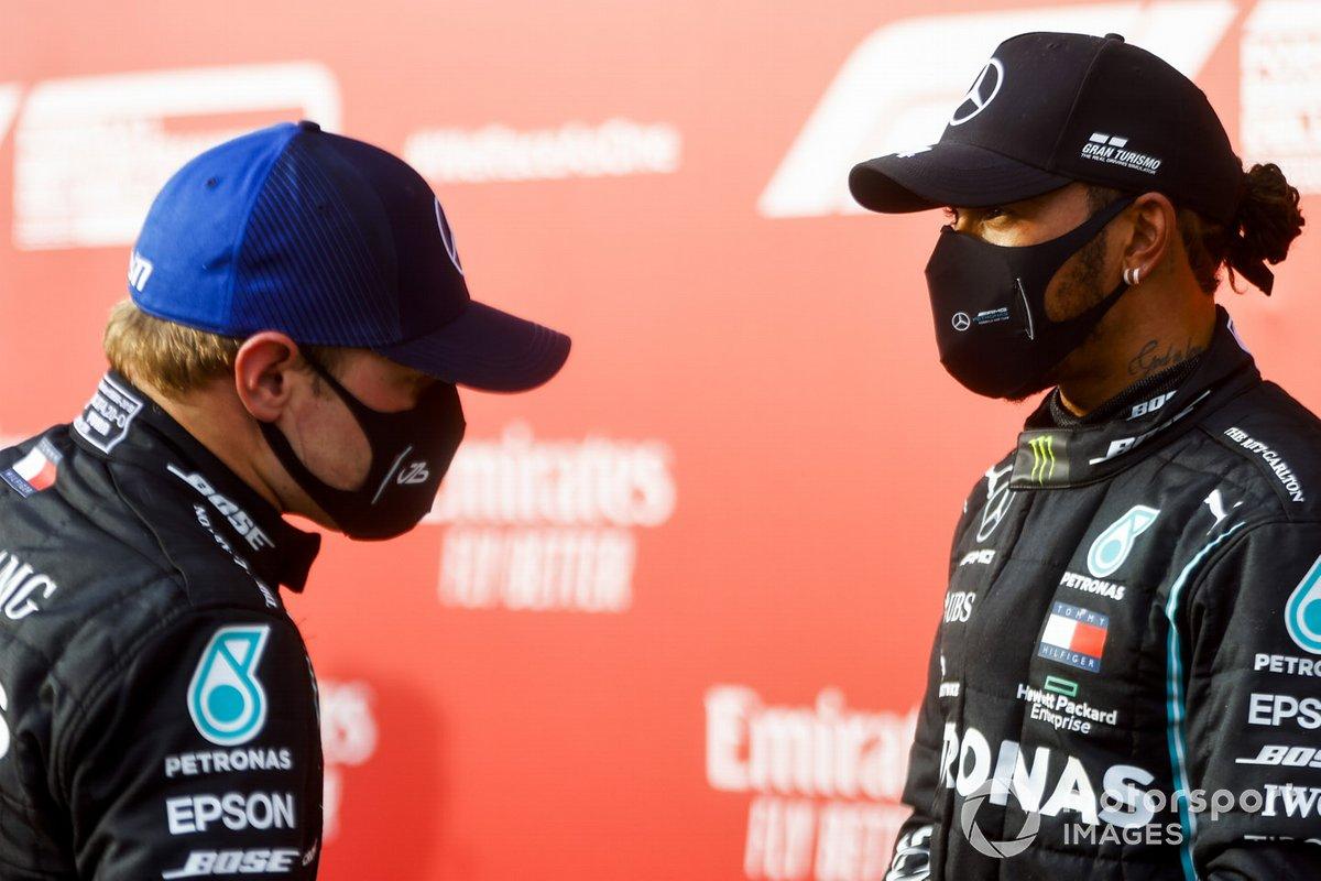 Valtteri Bottas, Mercedes-AMG F1 e il vincitore della gara Lewis Hamilton, Mercedes-AMG F1 sul podio