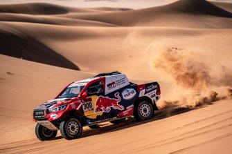 Нассер Аль-Аттия и Матье Бомель, Toyota Gazoo Racing, Toyota Hilux (№300)