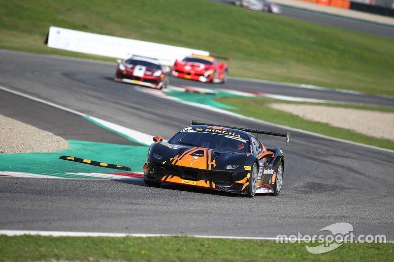 #132 Ferrari 488 Challenge, Formula Racing: Henrik Jensen
