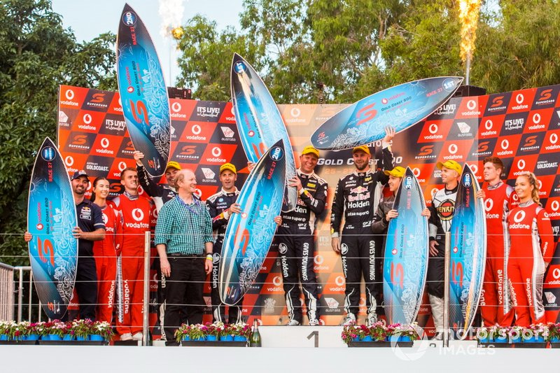 Jamie Whincup, Triple Eight Race Engineering Holden, Shane van Gisbergen, Triple Eight Race Engineering Holden,David Reynolds, Erebus Motorsport Holden