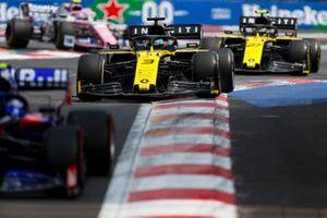 Daniel Ricciardo, Renault R.S.19 y Nico Hulkenberg, Renault R.S. 19