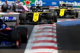 Daniel Ricciardo, Renault R.S.19 and Nico Hulkenberg, Renault R.S. 19