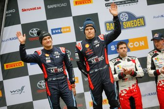 Podio: secondo classificato Ott Tänak, Martin Järveoja, Hyundai Motorsport Hyundai i20 Coupe WRC