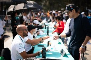 Fahad Algosaibi, Saudi Racing signs autographs for fans
