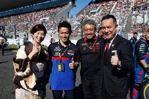 Naoki Yamamoto, Toro Rosso, et Masashi Yamamoto, directeur général de Honda Motorsport, sur la grille
