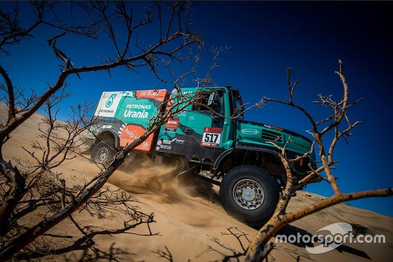 #517 Team De Rooy IVECO: Albert Llovera, Ferran Marco Alcayna, Marc Torres