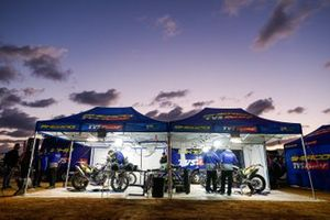 #24 Sherco TVS Rally Factory: Lorenzo Santolino, #20 Sherco TVS Rally Factory: Johnny Aubert