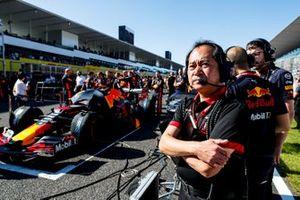 Toyoharu Tanabe, F1 Technical Director, Honda on the grid