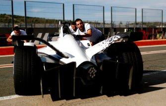 Mechanics push Edoardo Mortara, Venturi, EQ Silver Arrow 01