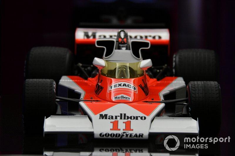 El McLaren M23 a escala