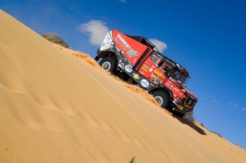 #506 Mammoet Rallysport Reanult: Martin Van Den Brink, Wouter De Graaff, Mitchel Van Den Brink