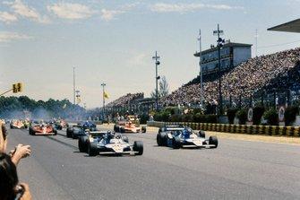 Start action, Jacques Laffite, Ligier JS11 Ford leads