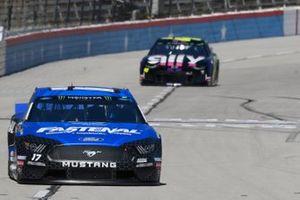 Ricky Stenhouse Jr., Roush Fenway Racing, Ford Mustang Fastenal, Jimmie Johnson, Hendrick Motorsports, Chevrolet Camaro Ally Fueling Futures