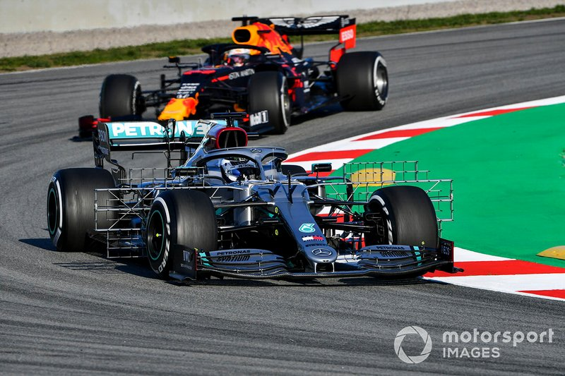Valtteri Bottas, Mercedes F1 W11 and Max Verstappen, Red Bull Racing
