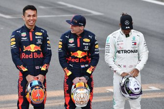 Alexander Albon, Red Bull Racing, Max Verstappen, Red Bull Racing and Lewis Hamilton, Mercedes-AMG Petronas F1